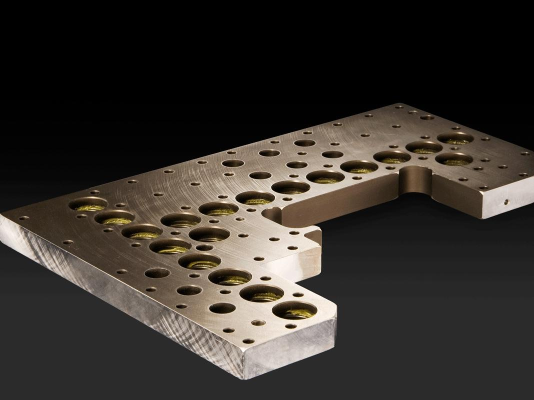 Material: AlMg4,5Mn, Ausführung: 50 µm polymeroxid®_xH4®